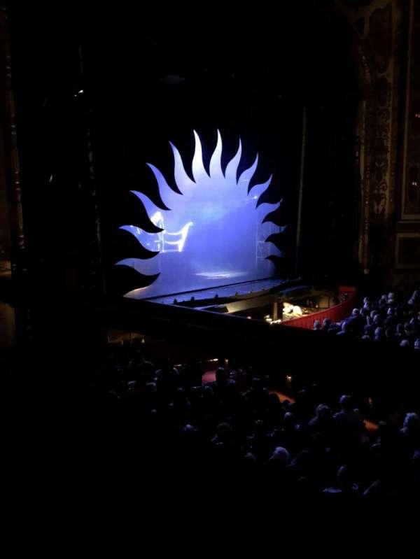 Cadillac Palace Theater, secção: Dress Circle L, fila: CC, lugar: 1