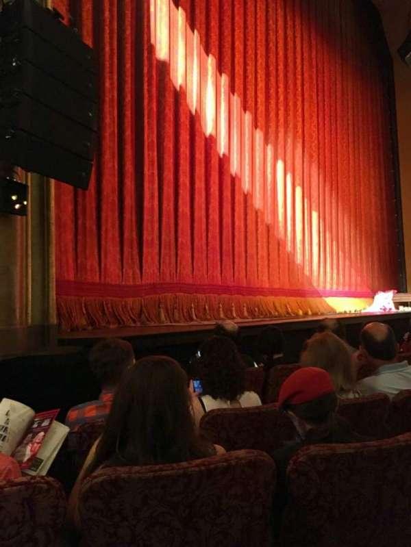 St. James Theatre, secção: Orch L, fila: D, lugar: 15