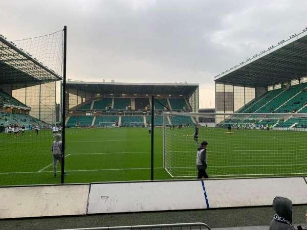 Easter Road Stadium, secção: South Stand, fila: C, lugar: 76