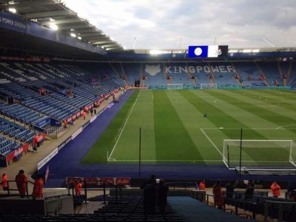 King Power Stadium, secção: Away stand, fila: DD, lugar: 56