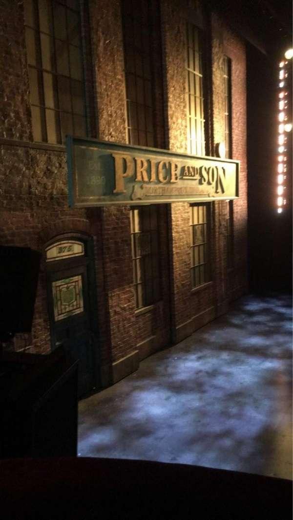 Al Hirschfeld Theatre, secção: Left Box, fila: A, lugar: 2