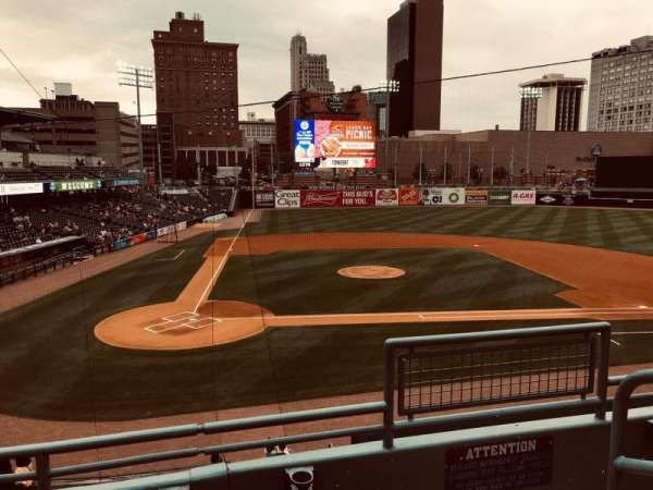 Fifth Third Field, secção: 212, fila: C, lugar: 1
