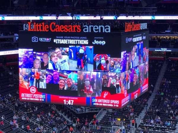 Little Caesars Arena, secção: 217, fila: 2, lugar: 12