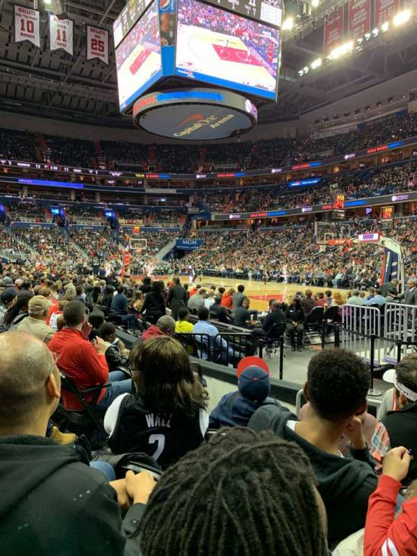 Capital One Arena, secção: 103, fila: E, lugar: 3