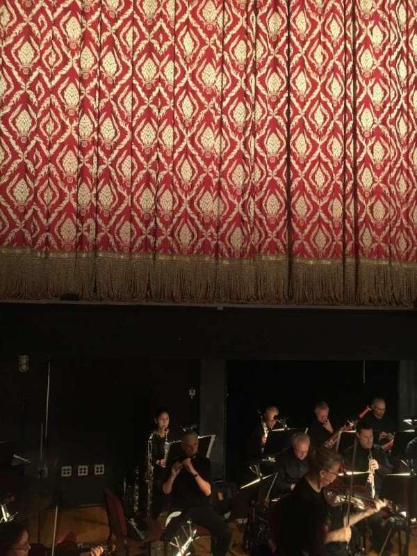 Academy of Music, secção: Parquet Center, fila: AA, lugar: 111