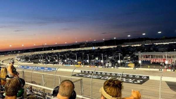 Darlington Raceway, secção: Q, fila: 2, lugar: 12