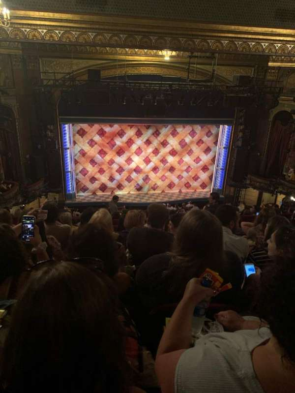 Brooks Atkinson Theatre, secção: Rear Mezzanine RC, fila: L, lugar: 121