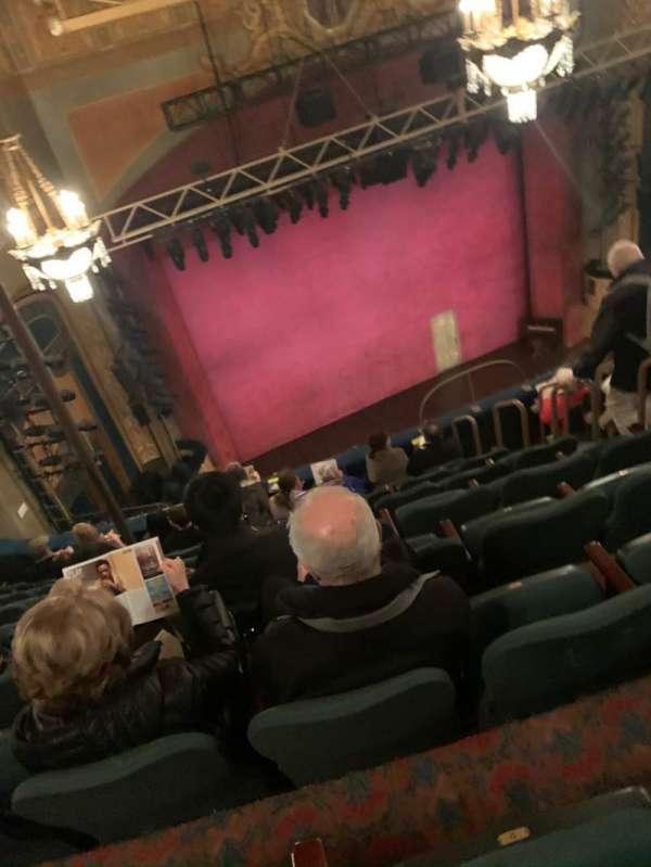Shubert Theatre, secção: Balcony L, fila: H, lugar: 11