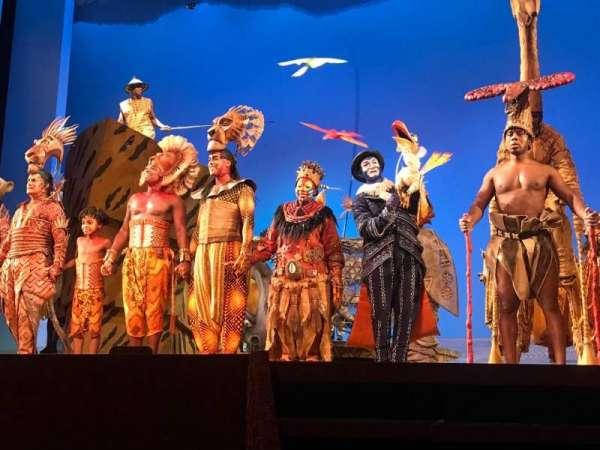 Minskoff Theatre, secção: Orchestra C, fila: B, lugar: 115 - 117