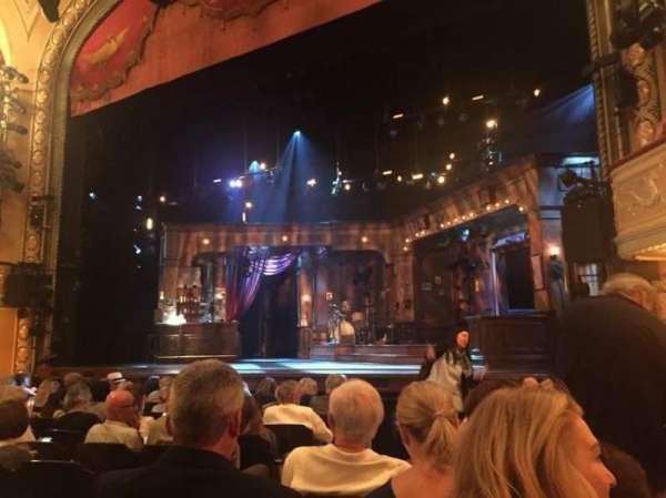 Bernard B. Jacobs Theatre, secção: Orchestra R, fila: J, lugar: 8