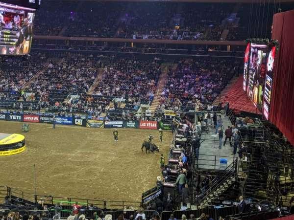 Madison Square Garden, secção: 213, fila: 1, lugar: 13