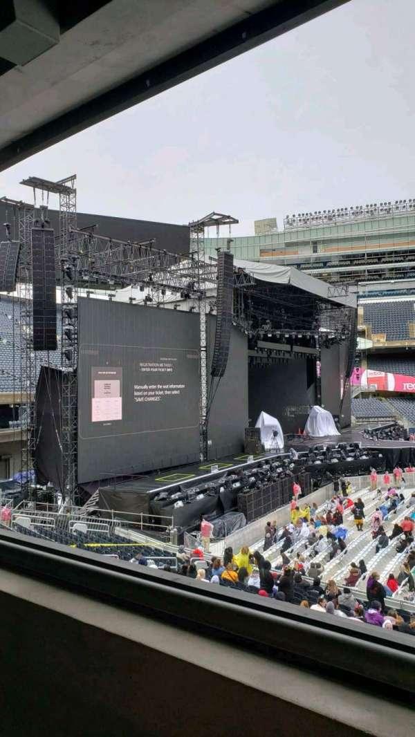 Soldier Field, secção: 242, fila: 1, lugar: 18