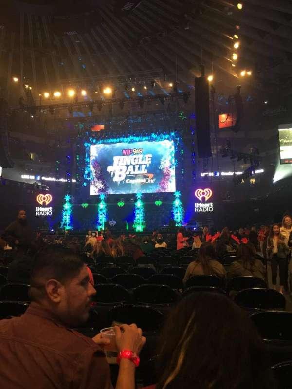 Oakland Arena, secção: D, fila: 7, lugar: 1