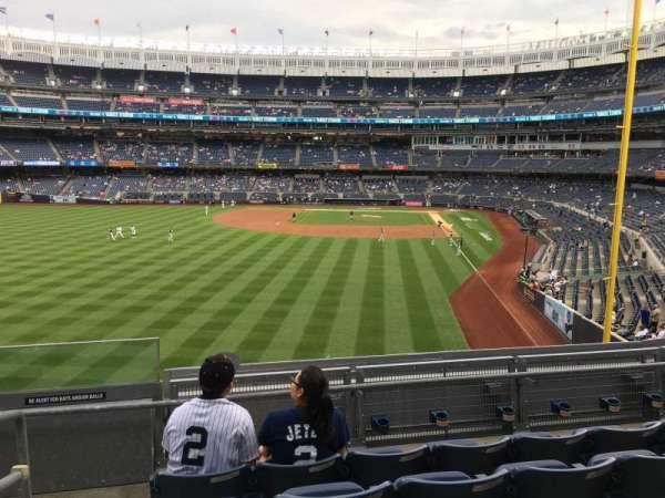 Yankee Stadium, secção: 233B, fila: 5, lugar: 1