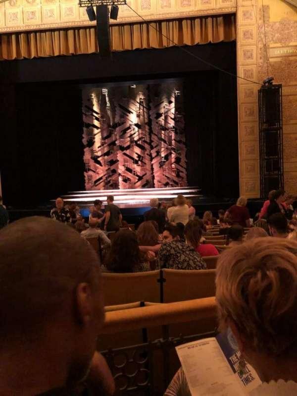 Auditorium Theatre, secção: Orchestra, fila: Q, lugar: 210