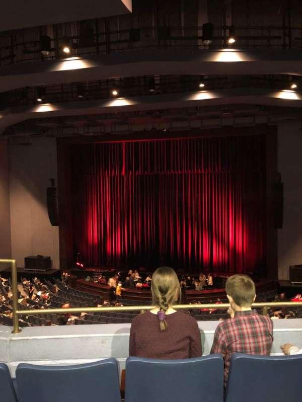 Rosemont Theatre, secção: 205, fila: C, lugar: 3