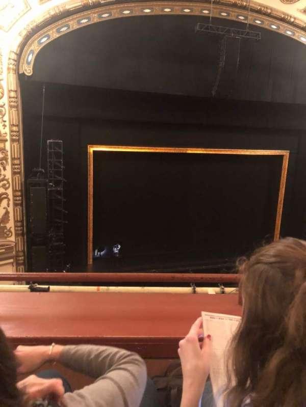 Cadillac Palace Theater, secção: LOGE LC, fila: 15, lugar: 302