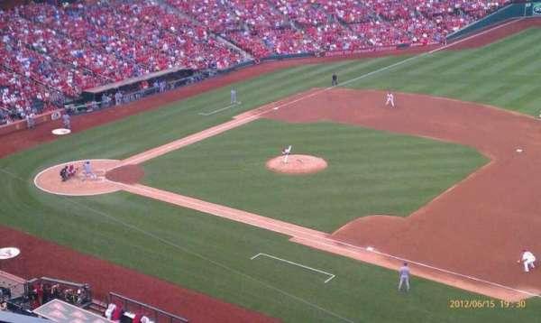 Busch Stadium, secção: 339, fila: 3, lugar: 10