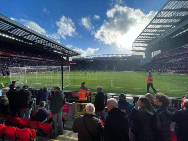 Anfield, fila: 6