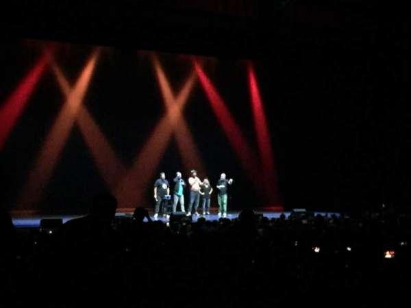 Chicago Theatre, secção: MNFL2L, fila: Q, lugar: 209