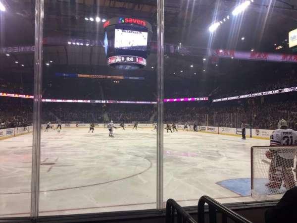 Allstate Arena, secção: 107, fila: EE, lugar: 1