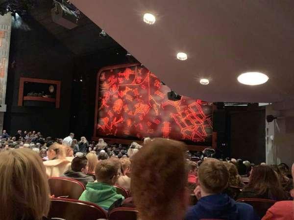 Minskoff Theatre, secção: Orchestra R, fila: U, lugar: 16