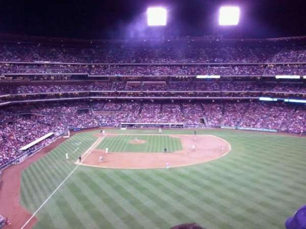 Citizens Bank Park, secção: 303, fila: 2, lugar: 20
