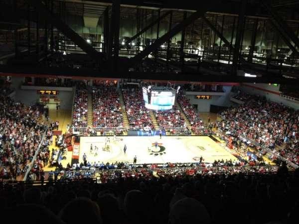 Fifth Third Arena, secção: 223, fila: 25, lugar: 1