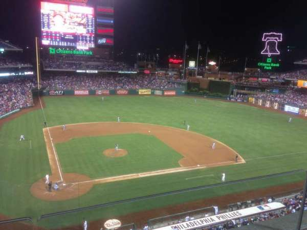 Citizens Bank Park, secção: 317, fila: 2, lugar: 18