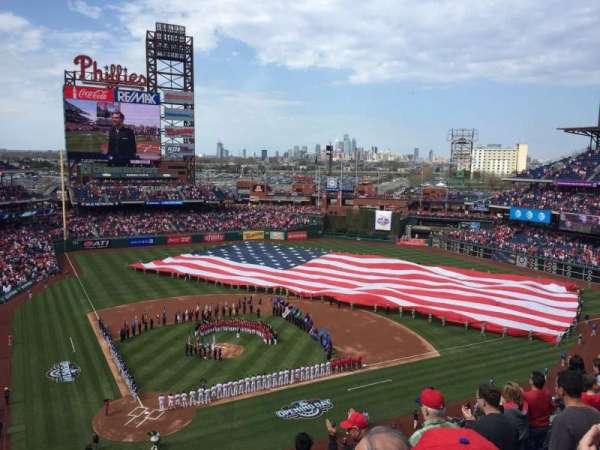 Citizens Bank Park, secção: 318, fila: 7, lugar: 3