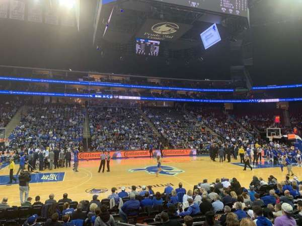 Prudential Center, secção: 18, fila: 9, lugar: 2
