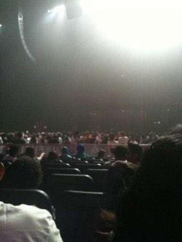 Microsoft Theater, secção: Orchestra Center Right, fila: T, lugar: 208