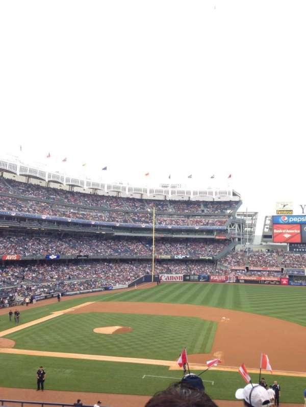 Yankee Stadium, secção: 215, fila: 2, lugar: 5