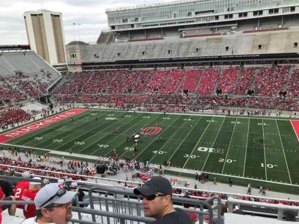 Ohio Stadium, secção: 18c, fila: 10, lugar: 11