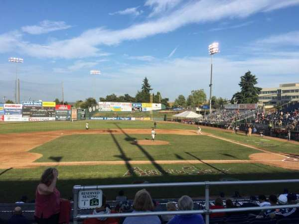 Everett Memorial Stadium, secção: J, fila: 8, lugar: 11