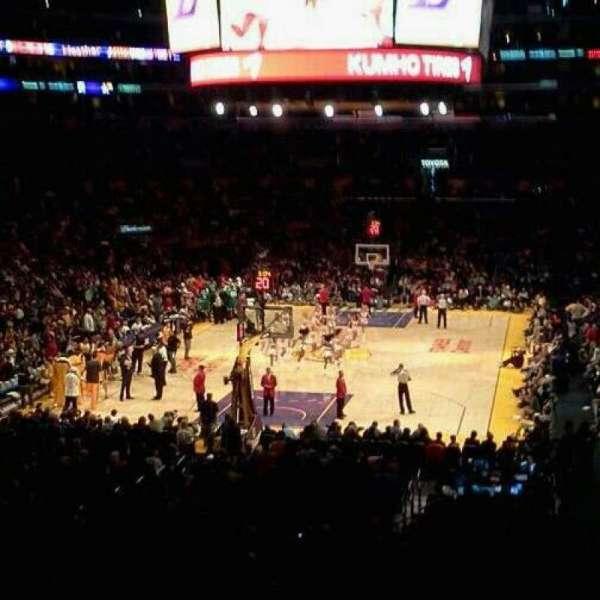 Staples Center, secção: 216 , fila: 8 , lugar: 4