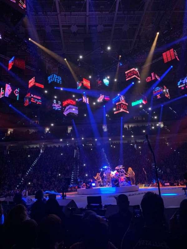 PNC Arena, secção: 119, fila: A, lugar: 8