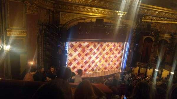 Brooks Atkinson Theatre, secção: Rear Mezzanine L, fila: K, lugar: 13