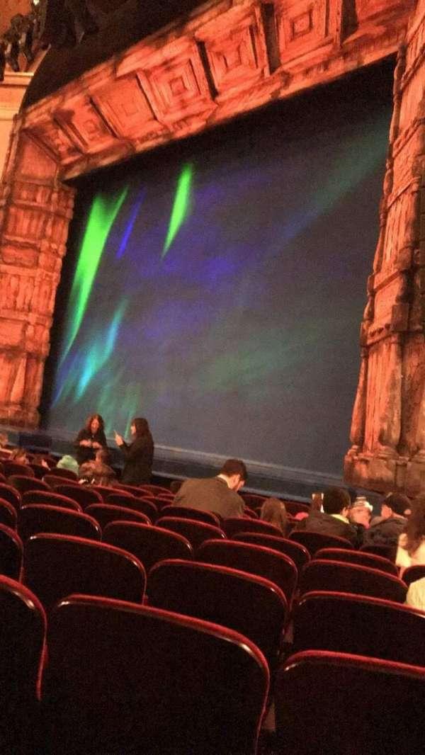 St. James Theatre, secção: Right Orchestra, fila: K, lugar: 26-28