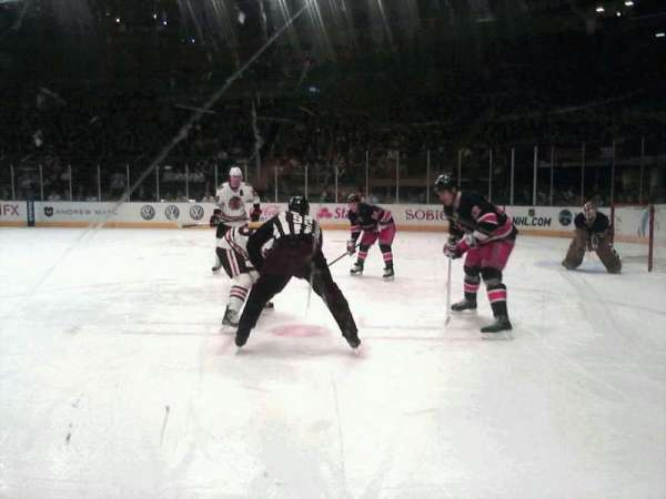 Madison Square Garden, secção: 8, fila: AA, lugar: 8-9