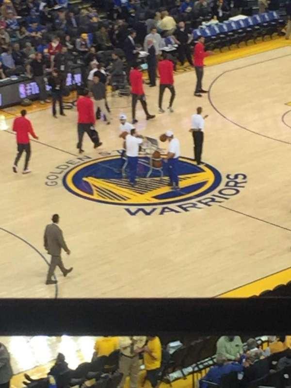 Oakland Arena, secção: 220, fila: 1, lugar: 11