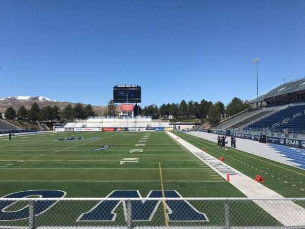 Mackay Stadium, secção: Bleachers, fila: 4, lugar: Right Sect
