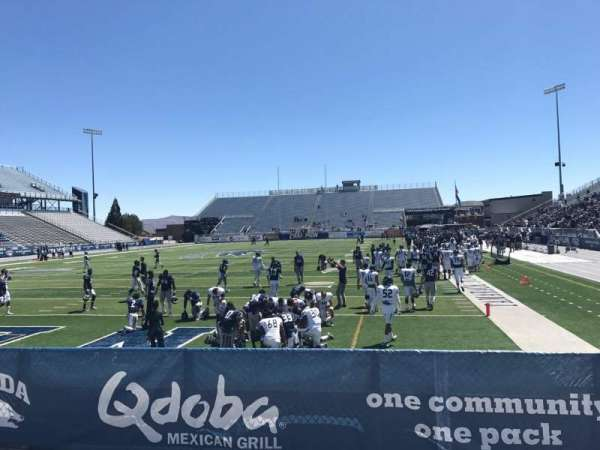 Mackay Stadium, secção: One Student, fila: 6, lugar: Right Sect