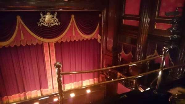St. Martins Theatre, secção: Upper Circle, fila: A, lugar: 11
