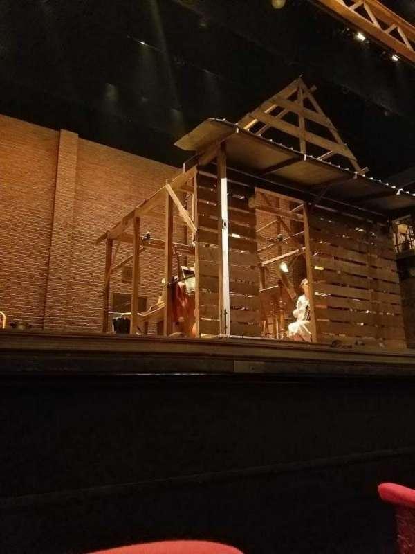 Cort Theatre, secção: Orchestra L, fila: A, lugar: 1