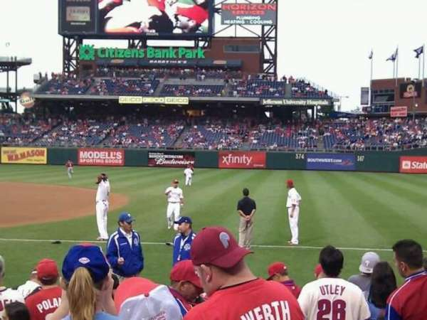 Citizens Bank Park, secção: 113, fila: 10, lugar: 8