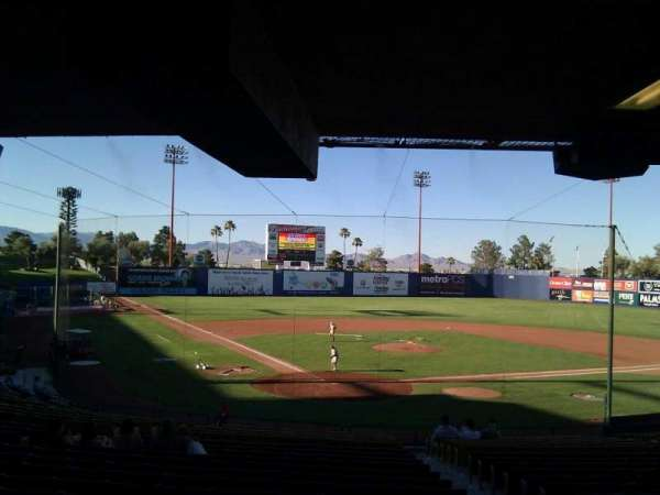 Cashman Field, secção: 13, fila: w, lugar: 13
