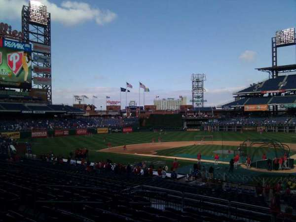 Citizens Bank Park, secção: 126, fila: 30, lugar: 5