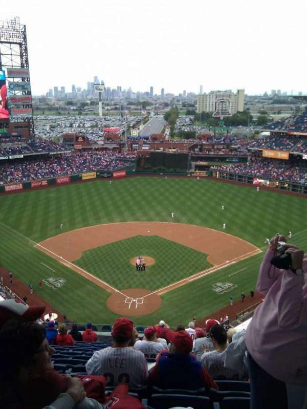 Citizens Bank Park, secção: 420, fila: 15, lugar: 11