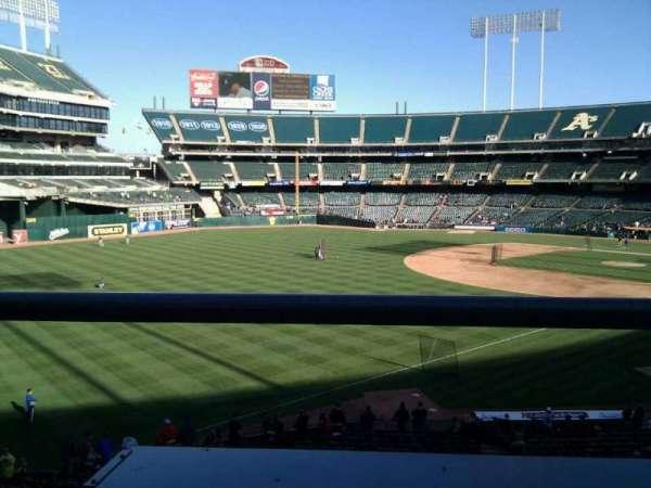 Oakland Coliseum, secção: 229, fila: 1, lugar: 16